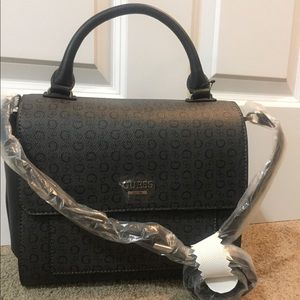 Guess bag Brand New! Removable strap